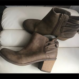 Roxy Laced Back Booties